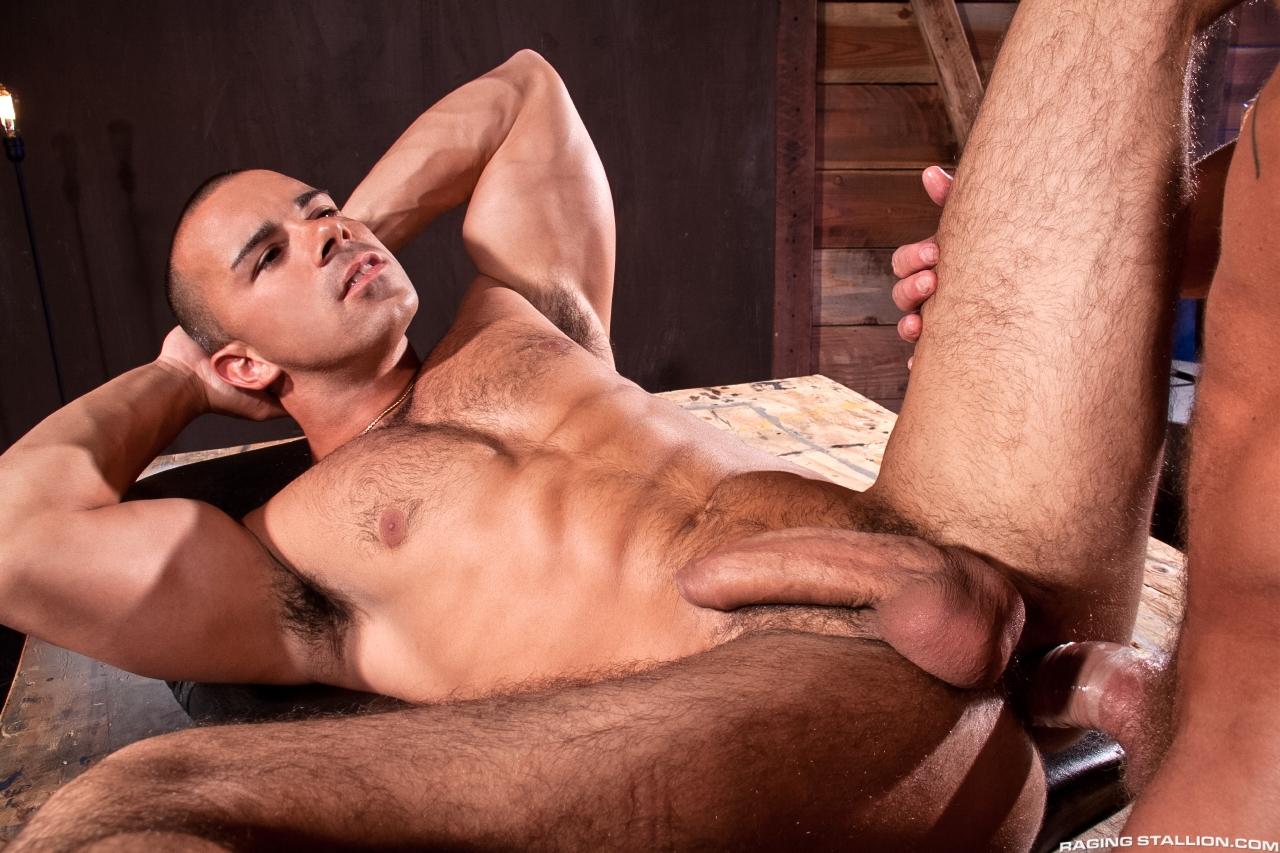 Gay Naked Muscle Man