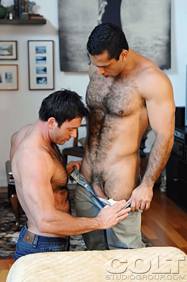 image Good looking amateur gays ariel and cris