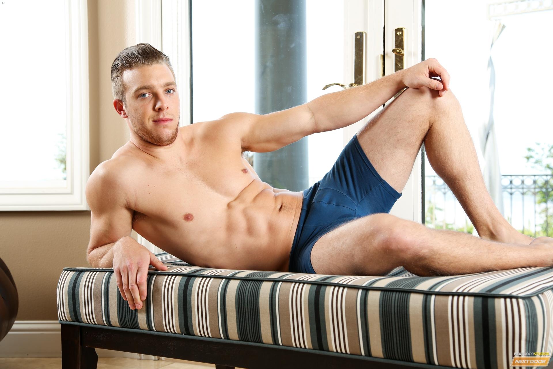 Сайты парней по вызову, Парни по вызову в Москве Реклама на сайте 4 фотография